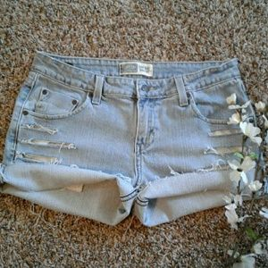 Levis sz8 Distressed Jean Shorts